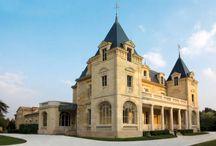 Château de Léognan / visite du vignoble et des chais au Château de Léognan dans l'appellation Graves Bordeaux. Réservez votre visite sur Wine Tour Booking
