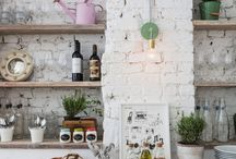 Kitchens / by Alma Allende