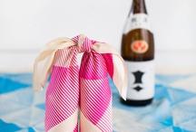 Furoshiki (風呂敷) / Inpakken van spullen in doeken. Bijv. voor een picknick.