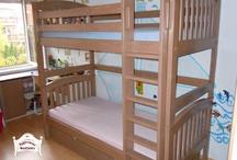 Ágymester emeletes ágyak / Két külön ágyként is használható 90x200cm matracméretű,függőleges rácsozású fej és lábvéggel ellátott emeletes ágyunk fenyőfából. Kérésre keményfából és akár egyedi méretekben is elkészítjük.
