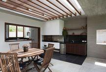 varanda lateral e espaço gourmet