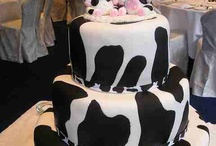 Unusual Wedding Cakes / I want to make this a group board. Email apaulsnow@yahoo.com if you want to pin here.