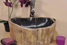 Vasque bois pétrifié / Vasque à poser en bois pétrifié fossilisé, de qualité exceptionnelle polie à l'intérieur et brute à l'extérieur.  Wanda Collection  http://www.wanda-collection.com/cat-vasque-bois-petrifie-83.htm