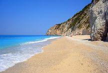Greklands bästa stränder / Här hittar du tips på Greklands allra bästa stränder. Allt från milsvida sandstränder till stränder omgärdade av dramatisk natur.