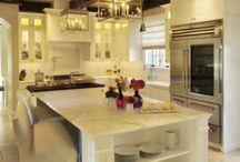 Kitchens / by Caroline Bean