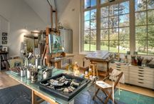 Inspiring Studios / Examples of enviable artist studios and creative spaces.