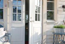 Keittiön ovet ja ikkuna