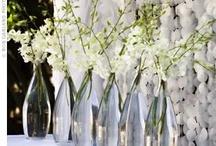 White flowers, white wedding