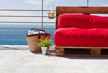Palets & Puffs / Eco diseño tu hogar y a tu medida. Decora tu espacio con palets restaurados envejecidos, colchones a medida y un variedad de tejidos y estampados...  ¿Cómo lo quieres?