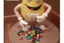 M&M Cake / This is my labor of love gift to my auntie who loves m&m