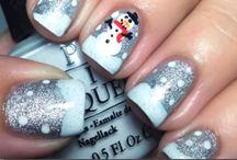 nails / by Leslie Frame