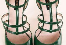 heels!!!!ε>