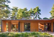 Villa Ljung / Villa i Höllviken söder om Malmö. Projektets grundläggande idé är att underordna sig platsen samtidigt bjuda på olika stämningsrika rum.   Johan Sundberg Arkitektur. 2013.