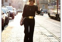 Total Black (almost) / always chic always stylish