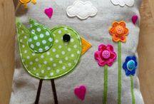 Appliqué cushions birds