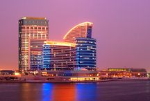 Dubai, ett golfäventyr! / Dubai är spektakulärt, mäktigt och något helt annat! En golfresa hit är något man bara måste uppleva! Är du nyfiken på att resa hit  http://www.golfjoy.se/Dubai.htm