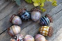 Beadalicious / Lampwork beads I love... / by Bretta Ogburn