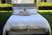 Pastiche / White and Taupe Linen