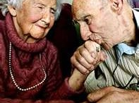 After all these years / old, faithfull, happy people. Yes, we can age great !