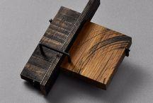 dřevo-šperk