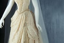 Silk wedding dress (XIX-early XX century)
