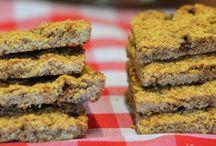 Flapjacks, Muffins, etc. / Vegetarian and vegan flapjacks, granola bars, muffins, etc.