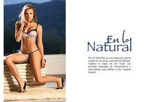 En lo Natural / EN LO NATURAL es una colección que se inspira en los tonos y las texturas florales. Celebra lo mejor de ser mujer con prendas marcadas de romanticismo y sensualidad que definen a las mujeres Carmel.