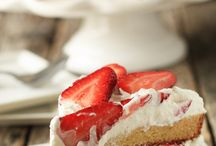 Cakes / by Mariska Wildeman