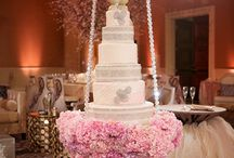 Suspended Wedding Cakes