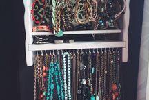 DIY // Jewelry Organizer