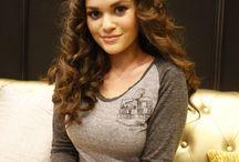 madison pettis / actress