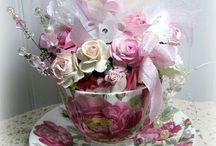 Tea cups flowers