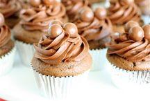 cupcakes / by Diane Tingas
