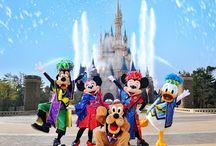 Disneyland / by Julie Rowley