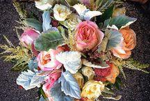 Floral arrangements / by Jenna Boley