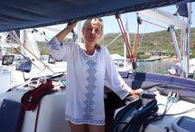 Jak se bydlí... / Pro milovníky dobrodružství jsme připravili zajímavé reportáže o nevšedním bydlení. Třeba na lodi nebo v karavanu...