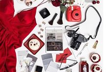 { cOLOr Me RED }