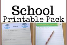 Back to School Homeschool / Find tips to make your back to school homeschool life a little easier.  Here you will find tips for lesson planning, time organization, and beginning of homeschool traditions.