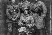 Sotilaspukuja - uniforms