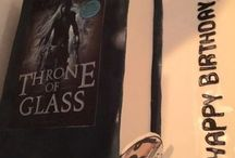 Throne of Glass Cake