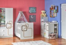 Faktum Polly gyerekszoba / The satin gloss white and pastel beige-chicory combinations make elements of the Polly line appear elegant. This combination of colours may be the perfect choice for parents preferring fashionable, but conservative appearances.