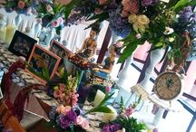 Jawa Gebyok-an Modern / Gebyok jawa modern, dengan rangkaian bunga asli import @hotel Santika Bintaro