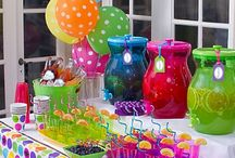 Backyard party ideas / by Kathy Getchell