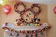 Kiddie birthday parties / by Stacey Tardif