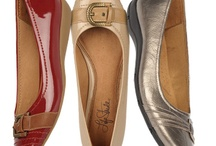 Pretty Relaxed / When it comes to the Pretty Relaxed trend, the name speaks for itself. Whether it's a pair of flats or casual shoes, you'll always look & feel your best in the season's must-have slip-ons. This spring, put your feet first & set aside a day just for you with a pair of comfortable shoes from LifeStride.