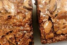 bars and brownies / gooey , crumbly , fudgy , cakey ... easy and delicious bars and brownies!!
