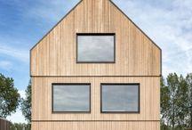 Barentsz een woning in Driemond   Energiezuinig bouwen / Wilt u energiezuinig bouwen? Dan vind u dit vast interessant. Barentsz-huizen worden standaard zeer goed geïsoleerd en voorzien van driedubbel glas. De huizen zijn volledig elektrisch en worden verwarmd d.m.v. een lucht warmtepomp.Dit woonhuis staat in Driemond en is een typisch Barentsz-ontdekkingshuis; een lekker stoer huis met noordelijke' trekjes en bijzondere details.