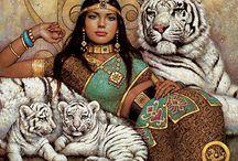 Mujer y felinos
