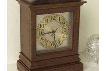 Clocks / Small wood clocks