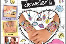 Galt Toys Express Yourself / Introducing a new exciting range for 8 to 12 years with a focus on fashion, friends and self-expression. The range of eight DIY kits is inspired by pop art with bright neon colours and designed to encourage children to express themselves by creating their own fashionable jewellery and accessories. Nail art and sparkly tattoos complete the look.